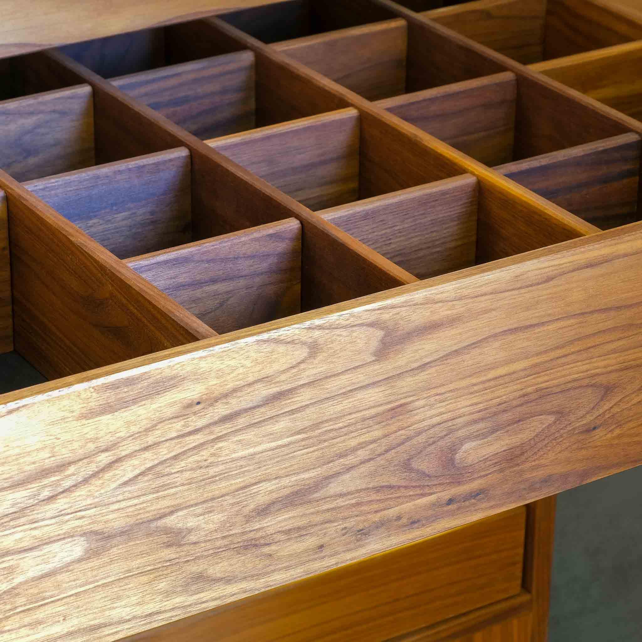 Schublade im Dachschrägenschrank