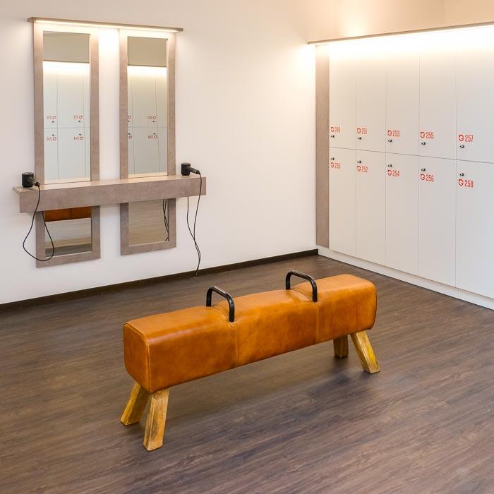 ba-moebeldesign-fitnessstudio-umkleidekabinen